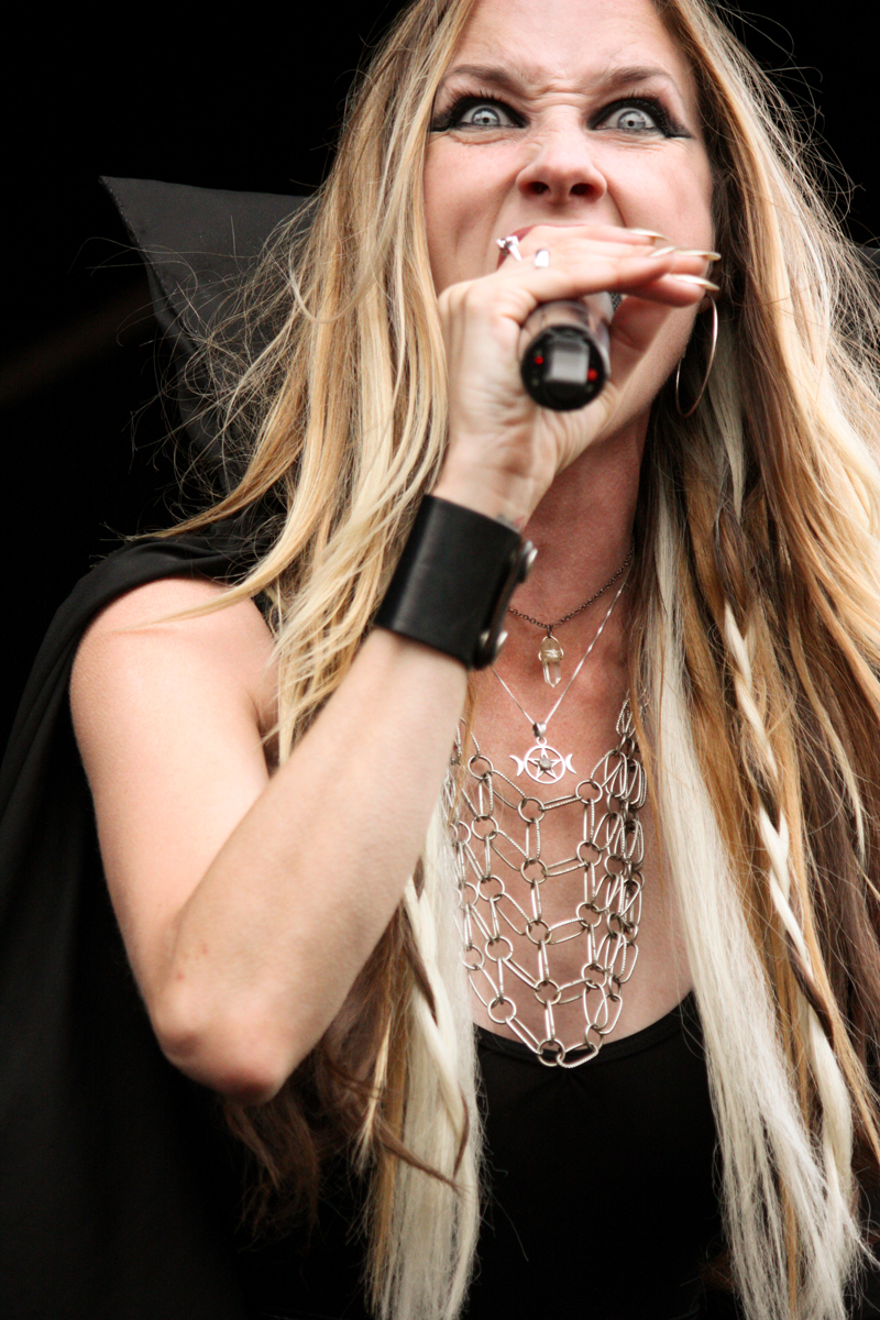 Jill Janus of Huntress